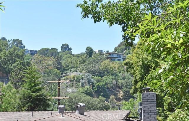 7228 Woodrow Wilson Drive, Hollywood Hills CA: http://media.crmls.org/medias/e487e382-af29-4ba8-8496-7ecddcbef288.jpg