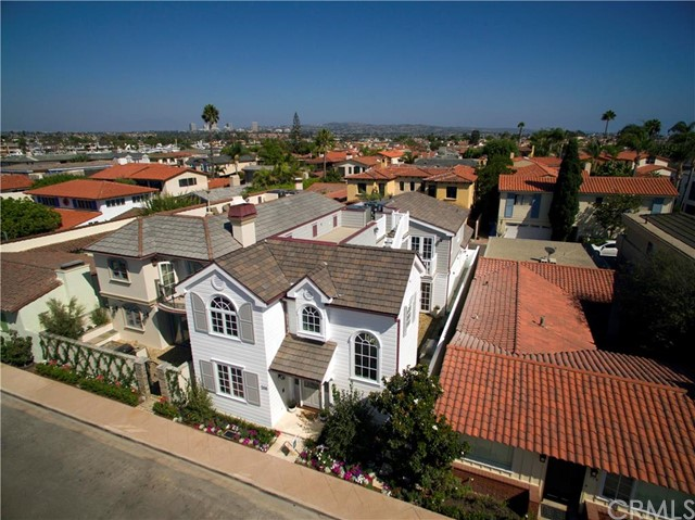 Single Family Home for Sale at 208 Via Orvieto Newport Beach, California 92663 United States