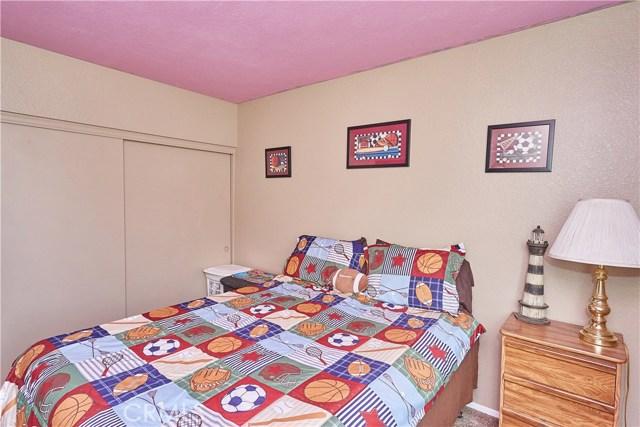 15900 Ninya Avenue, Moreno Valley CA: http://media.crmls.org/medias/e49eb15a-02a7-4bb0-9feb-2c98a6060ad4.jpg