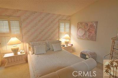 55423 Tanglewood, La Quinta CA: http://media.crmls.org/medias/e4a2c433-8641-49b9-8930-99f9c7c32676.jpg