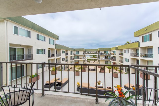 1600 Ardmore Avenue 317  Hermosa Beach CA 90254