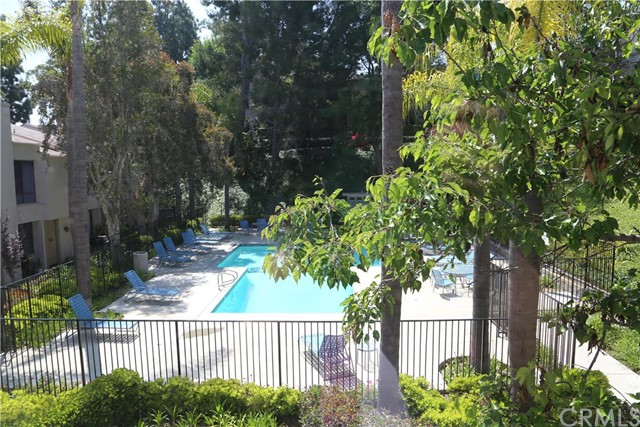 3621 W Hidden Lane, Rolling Hills Estates CA: http://media.crmls.org/medias/e4cc6aa7-2d54-4b62-b8b3-efe90cd02c11.jpg