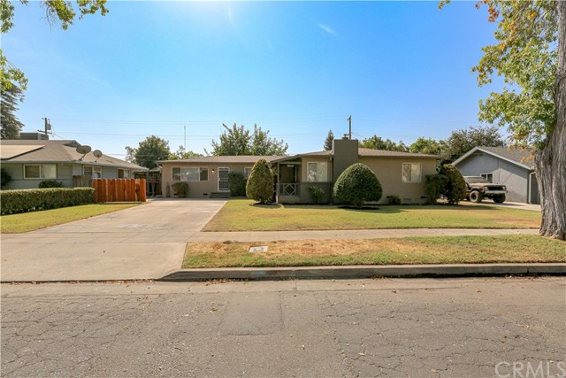 Detail Gallery Image 1 of 1 For 1340 W 25th St, Merced,  CA 95340 - 4 Beds | 2 Baths