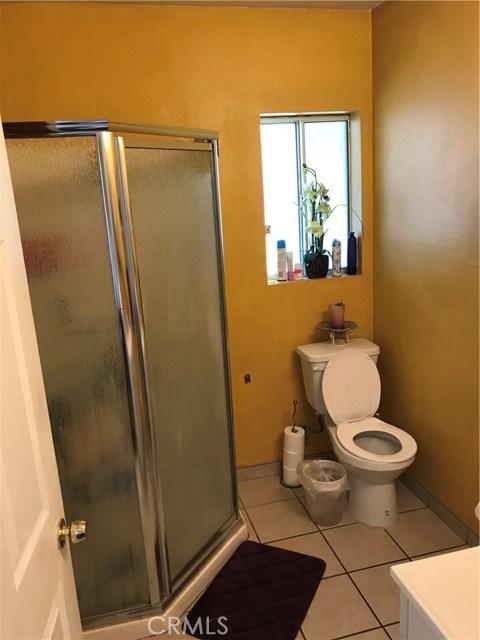 9400 Alexander Avenue, South Gate CA: http://media.crmls.org/medias/e4e0a0a2-8d23-4969-b766-da89a59158d8.jpg