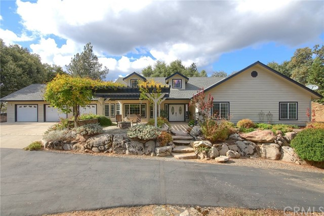 Detail Gallery Image 1 of 54 For 42466 Maples Ln, Oakhurst, CA 93644 - 3 Beds | 2/1 Baths