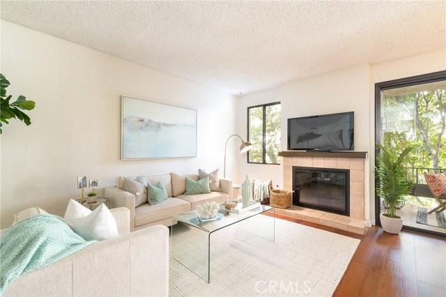 8675 Falmouth Avenue, Playa del Rey CA: http://media.crmls.org/medias/e4e72d83-f822-4a00-9a75-cb1393c535b9.jpg