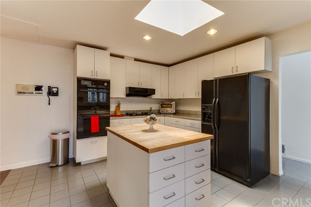 3860 S Cloverdale Ave, Los Angeles, CA 90008 photo 13