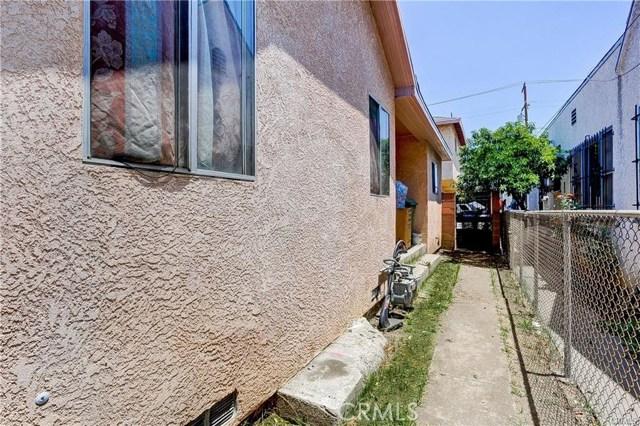 714 S Woods Avenue, Los Angeles CA: http://media.crmls.org/medias/e4fa4e08-4306-40a1-b904-5df9269c8e7d.jpg