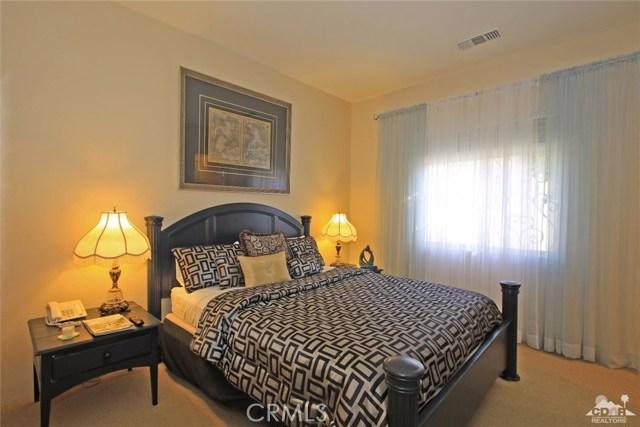 104 Loch Lomond Road, Rancho Mirage CA: http://media.crmls.org/medias/e5045c39-3db5-4fc5-9e4c-5fb4e6c983a7.jpg