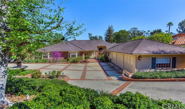 Single Family Home for Sale at 10061 Highcliff St North Tustin, California 92705 United States