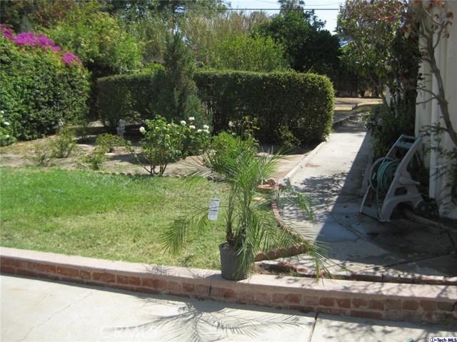5200 Dahlia Drive, Los Angeles CA: http://media.crmls.org/medias/e51c4f69-283e-49c0-9d17-8f91ffbd74f8.jpg