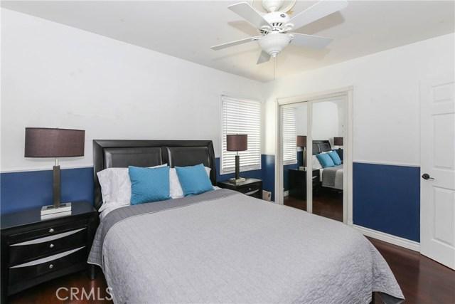 425 W Knepp Avenue, Fullerton CA: http://media.crmls.org/medias/e51cff64-59e2-46b7-9274-d6170352bd82.jpg