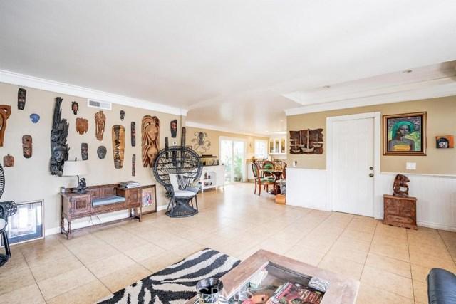 208 Susannah Place, Costa Mesa CA: http://media.crmls.org/medias/e523a326-fc7e-4795-8696-4c1c94cc2b24.jpg