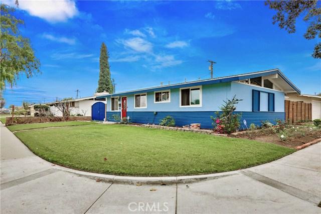 1718 W Elm Avenue, Fullerton CA: http://media.crmls.org/medias/e52ad499-e92b-4501-bb8f-53995ee331b6.jpg