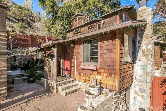 Single Family Home for Sale at 31309 Silverado Canyon St Silverado, California 92676 United States