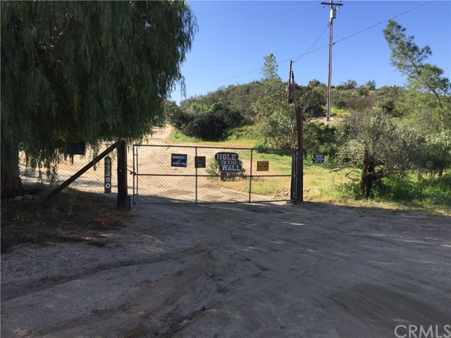Single Family for Sale at 43400 Sage Road Aguanga, California 92536 United States