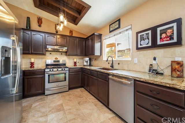 57490 Redondo Street, Yucca Valley CA: http://media.crmls.org/medias/e545f1ae-664f-4d03-99d6-74e51b02dacd.jpg