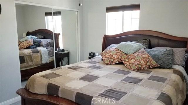 8549 Smallwood Avenue, Downey CA: http://media.crmls.org/medias/e54f98d3-ba3a-40e1-8227-75828b4fd9c2.jpg