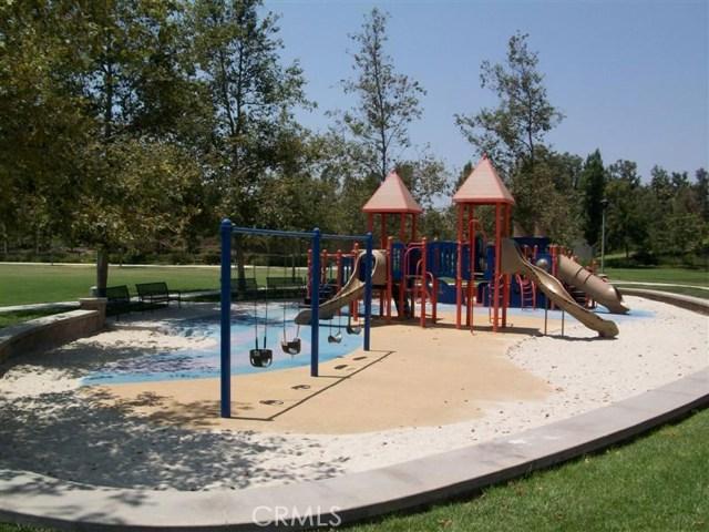 107 Waterman, Irvine CA: http://media.crmls.org/medias/e5549f3a-a4b3-4a04-942d-a7e7575c94ea.jpg