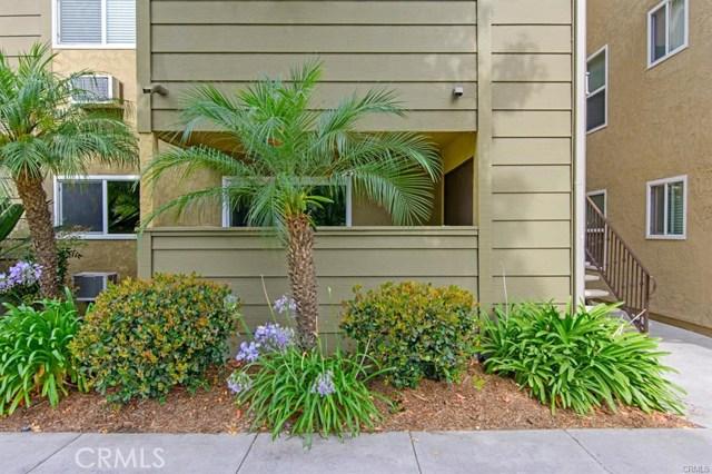 194 Avenida Descanso, Oceanside CA: http://media.crmls.org/medias/e5565842-8187-44a9-af59-9657a6fc2d51.jpg