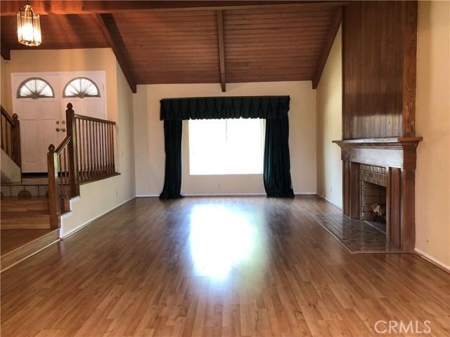 906 Heritage Drive, West Covina CA: http://media.crmls.org/medias/e5589742-2fdc-4933-b7c5-98d4bf8f0b4d.jpg
