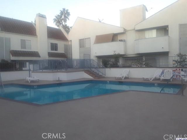 618 N Howard Street, Glendale CA: http://media.crmls.org/medias/e5691a62-34ce-4466-9c08-0efb10800f3e.jpg