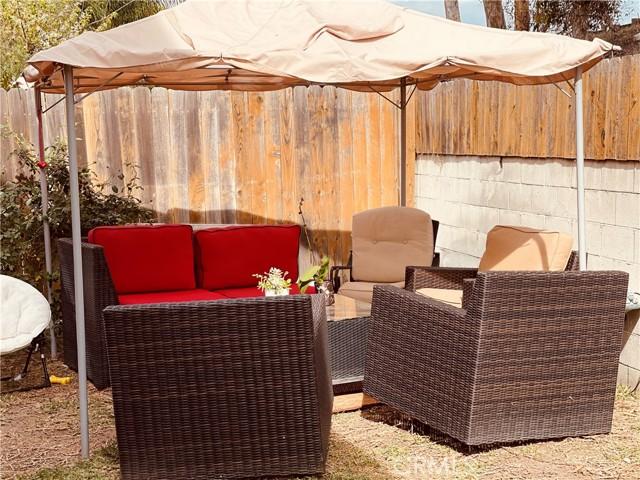 12120 S La Cienega Boulevard, Hawthorne CA: http://media.crmls.org/medias/e572e12a-e57f-4c7d-bc69-62c21ee8ff0c.jpg