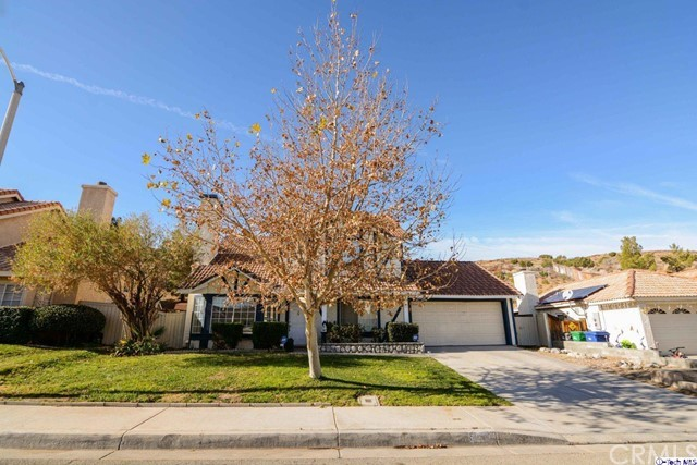 39317 Beacon Lane Palmdale, CA 93551 - MLS #: 318001107
