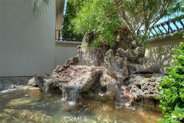 21 Toscana Way, Rancho Mirage CA: http://media.crmls.org/medias/e58e844d-f31f-442d-993c-6a5b67869815.jpg