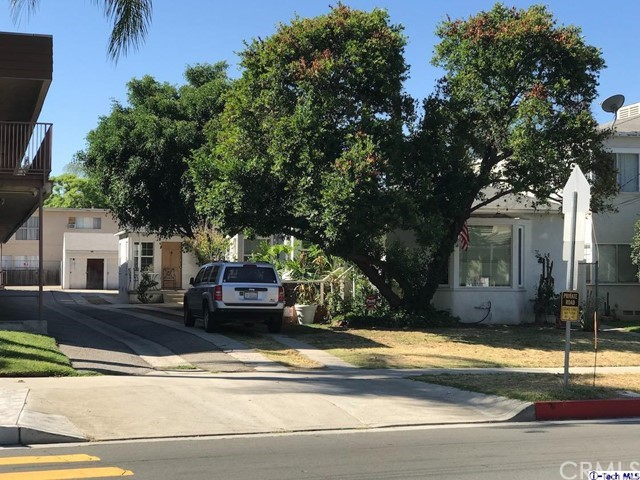 1912 E Chevy Chase Drive, Glendale CA: http://media.crmls.org/medias/e59602ba-78f7-4766-98f8-16c527d27868.jpg