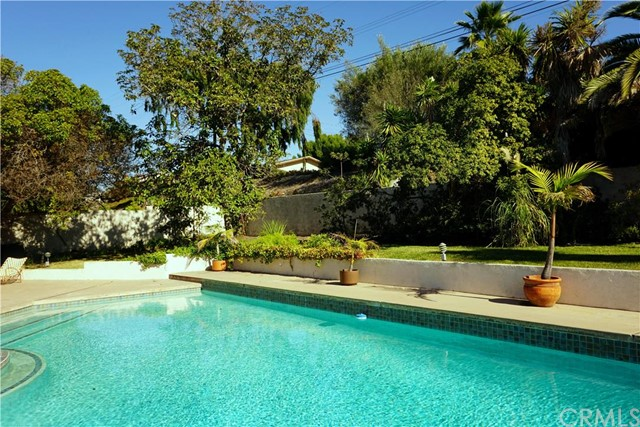 1446 VIA CASTILLA Palos Verdes Estates, CA 90274 is listed for sale as MLS Listing PV16042192