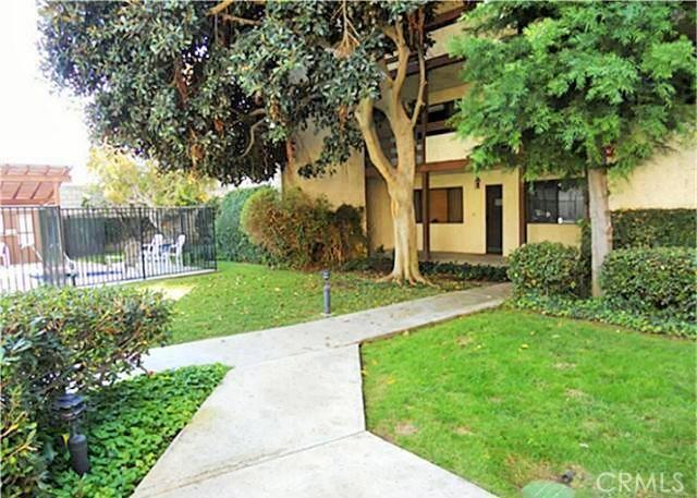 Condominium for Sale at 7715 Newman Avenue Huntington Beach, California 92647 United States