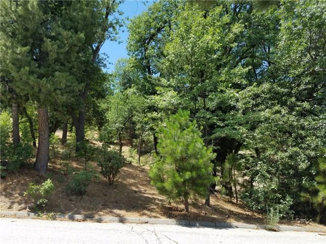 28310 Bern Lane, Lake Arrowhead CA: http://media.crmls.org/medias/e5a37f6d-7821-447f-945c-411f2be1dc83.jpg