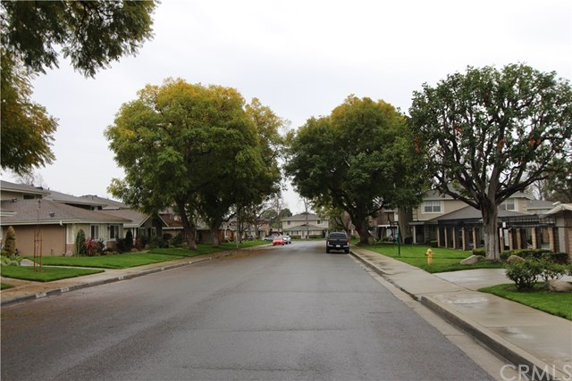 3008 Knollwood Avenue, La Verne CA: http://media.crmls.org/medias/e5ae9b58-54b3-4307-b453-911097c59955.jpg