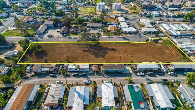 13200 Barbara Street, Moreno Valley CA: http://media.crmls.org/medias/e5c177db-8bae-49f5-a92e-21e3e0be5e82.jpg