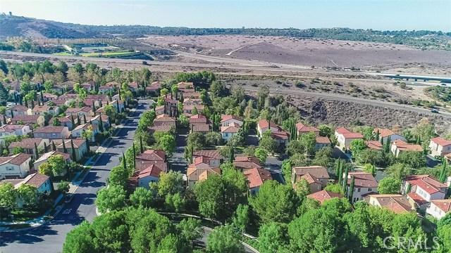 40 Gardenpath, Irvine CA: http://media.crmls.org/medias/e5d1270b-ed0c-4134-a432-31636e68e2a2.jpg