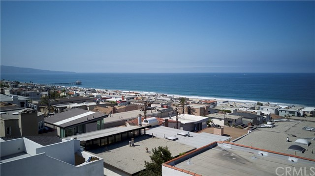 Residential Income for Sale at 323 23rd Street 323 23rd Street Manhattan Beach, California,90266 United States