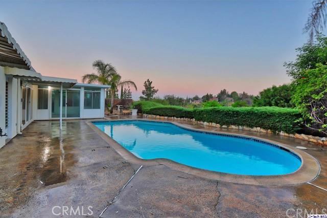 17622 Arvida Drive, Granada Hills CA: http://media.crmls.org/medias/e5ded036-4bd0-46bc-8517-edf2318149f3.jpg