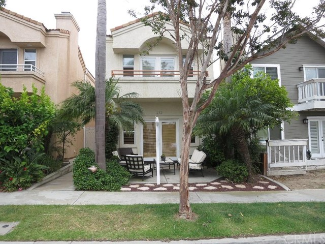 Single Family Home for Rent at 212 Indianapolis St Huntington Beach, California 92648 United States