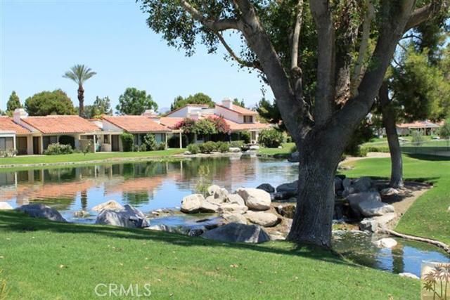 95 Tennis Club Drive, Rancho Mirage CA: http://media.crmls.org/medias/e5e76580-eeb2-4a52-a357-0b4cf8e6ad76.jpg