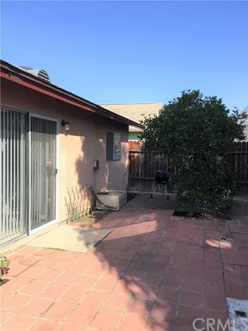 8955 Satinwood Street Fontana, CA 92335 - MLS #: EV17223039