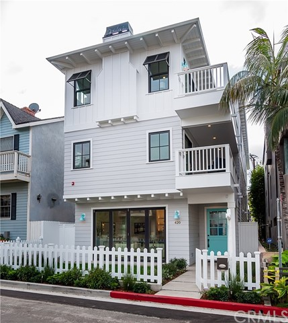 420 31st Street - Manhattan Beach, California