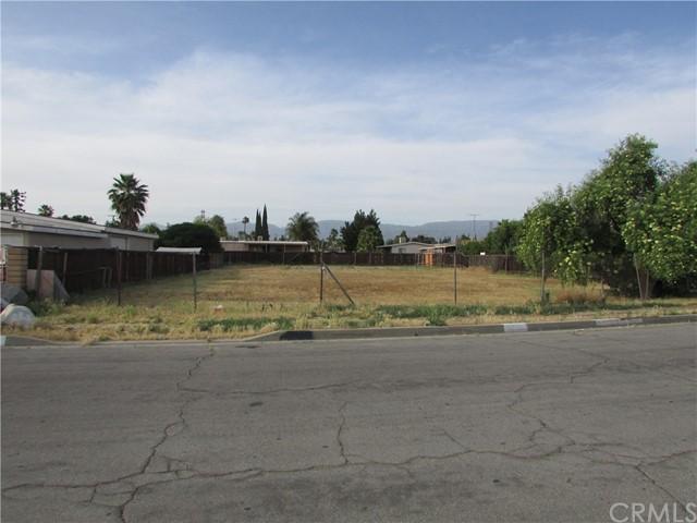 Single Family for Sale at 2298 Chestnut Street San Bernardino, California 92410 United States