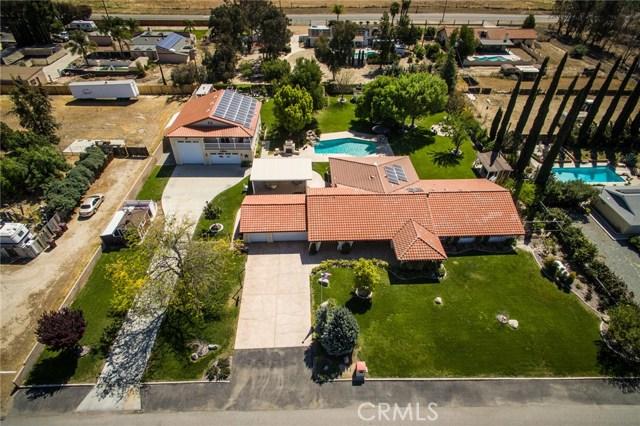 30116 Emerald Lane, Hemet CA: http://media.crmls.org/medias/e5fec773-ec68-4ea4-95e7-a664987e085e.jpg