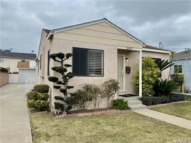 Detail Gallery Image 1 of 1 For 16817 S Harvard Bld, Gardena,  CA 90247 - 3 Beds | 2 Baths