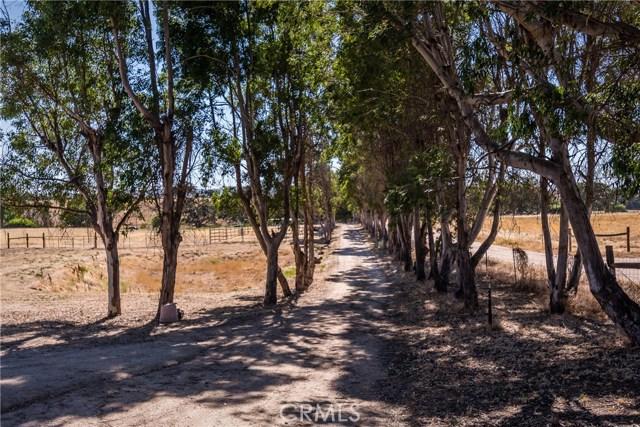 3720 Airport Road, Paso Robles CA: http://media.crmls.org/medias/e62230e5-bedf-4697-bd39-a692716424d6.jpg
