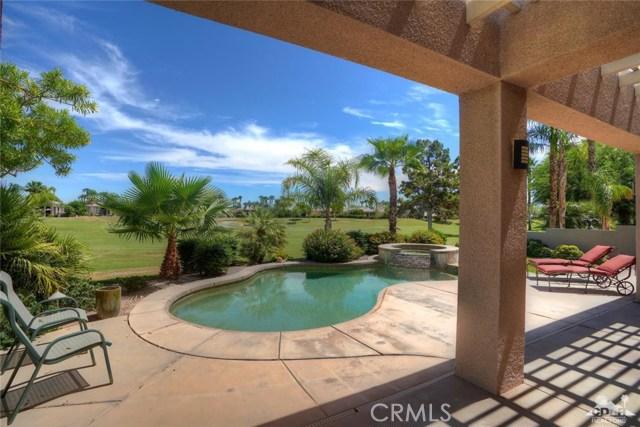 10 Via Haciendas, Rancho Mirage CA: http://media.crmls.org/medias/e623323a-f9ec-4dae-a0f9-f6b43ccc46b3.jpg