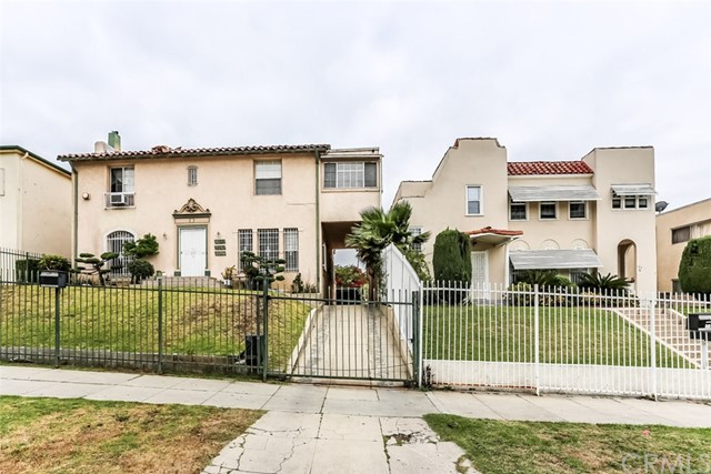 120 N Berendo Street, Los Angeles CA: http://media.crmls.org/medias/e6293556-a78f-4f95-85ac-a4c0b92455bc.jpg