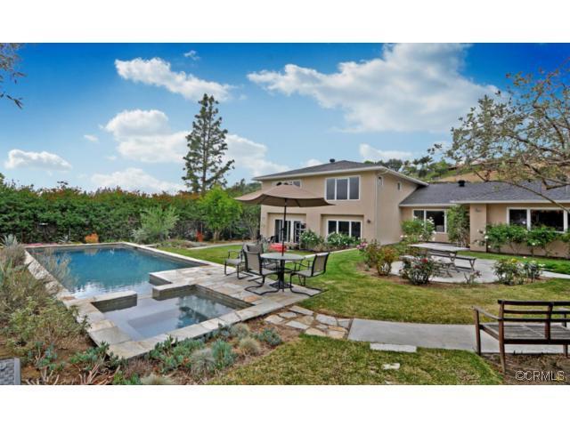 Single Family Home for Rent at 10506 Grove Oak Drive Santa Ana, California 92705 United States