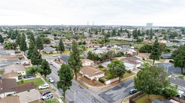 16631 Ross Ln, Huntington Beach CA: http://media.crmls.org/medias/e6330958-ff8a-4262-9110-c05fdd721098.jpg